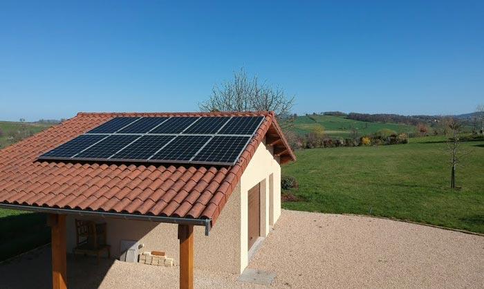 Devenir autonome en électricité avec des panneaux solaires