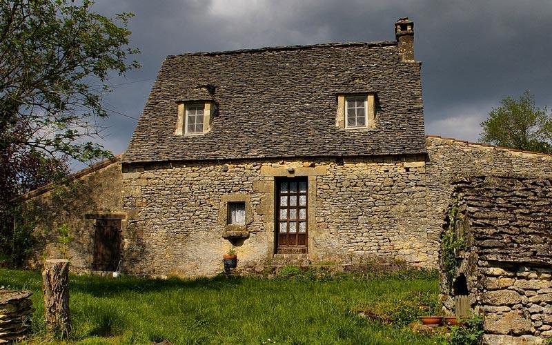 Installer une pompe à chaleur dans une maison ancienne : notre avis