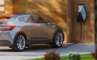 Charger sa voiture électrique grâce aux panneaux solaires