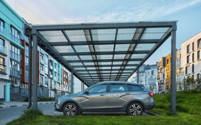 Carport solaire : des panneaux photovoltaïque sur un abri de voiture